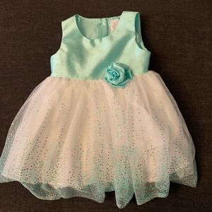 Fancy party dress for your princess.